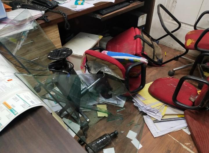 इस्लामी आतंकवाद को इस्लाम का ही एक रूप बताने पर पब्लिशर के ऑफिस पर हमला, किताबें फाड़कर वीडियो भी बनाया जयपुर,Jaipur - Dainik Bhaskar
