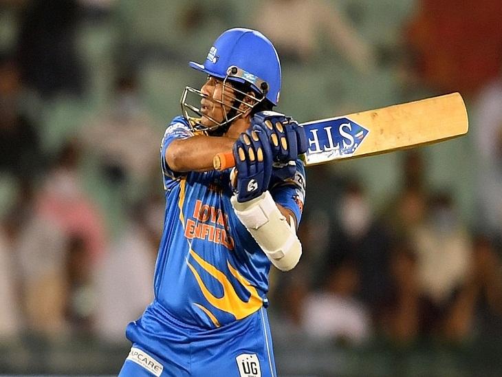 रायपुर के मैदान में सचिन ने लगाए चौके-छक्के, पूरा किया दूसरा अर्धशतक, 12 रनों से जीते इंडिया वाले, टीम पहुंची फाइनल में रायपुर,Raipur - Dainik Bhaskar