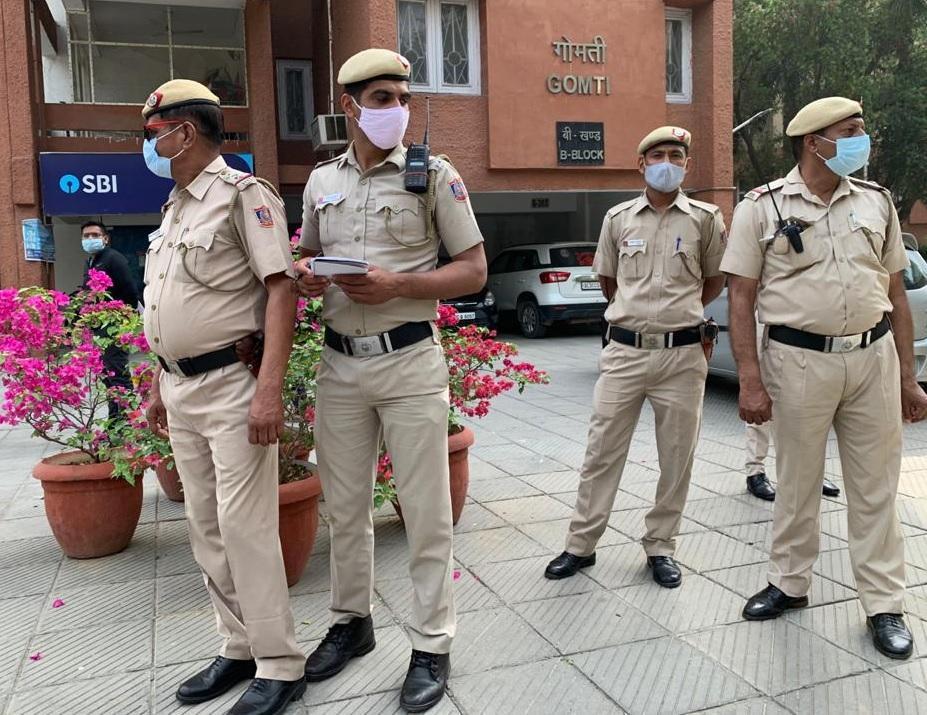 रामस्वरुप शर्मा की संदिग्ध हालात में मौत, MP फ्लैट में फंदे से लटके मिले दिल्ली + एनसीआर,Delhi + NCR - Dainik Bhaskar
