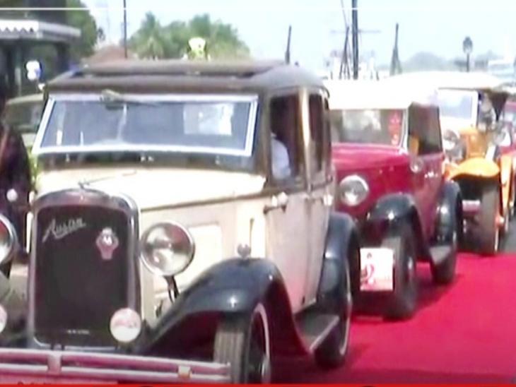 गोवा में विंटेज कार रैली:पणजी की सड़कों पर उतरीं 50 विंटेज कार, इनमें 1933 की ऑस्टिन गाड़ी भी शामिल