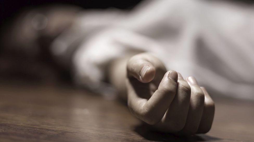 वाहन की टक्कर से व्यक्ति की मौत; ऊपर से गाड़ियां गुजरने से मुंह कुचला गया, शरीर के उड़े चीथड़े, कटे हाथ से पता चला कि लाश इंसान की है|जालंधर,Jalandhar - Dainik Bhaskar
