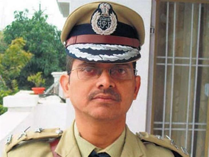 UP के चर्चित IPS अमिताभ ठाकुर की सरकार ने जबरन सेवा खत्म की ; राजेश कृष्ण व राकेश शंकर भी रिटायर हुए लखनऊ,Lucknow - Dainik Bhaskar