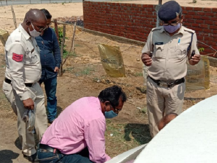 घर से निकले युवक की अगले दिन सूखी नहर में मिली लाश, पेट और गले में बीयर की बोतल से वार कर मार डाला छत्तीसगढ़,Chhattisgarh - Dainik Bhaskar