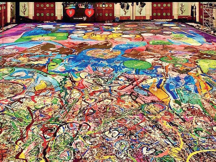 दुनिया की सबसे बड़ी कैनवास पेंटिंग 450 करोड़ रुपए में बिकी, यह 6 टेनिस कोर्ट जितनी बड़ी|विदेश,International - Dainik Bhaskar