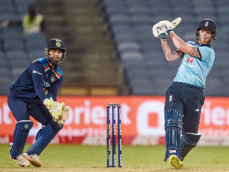 बेन स्टोक्स ने 33वें ओवर में लगातार 3 छक्के लगाए। यह स्पिनर कुलदीप का 9वां ओवर था। स्टोक्स ने मैच में 10 और बेयरस्टो ने 7 छक्के लगाए।