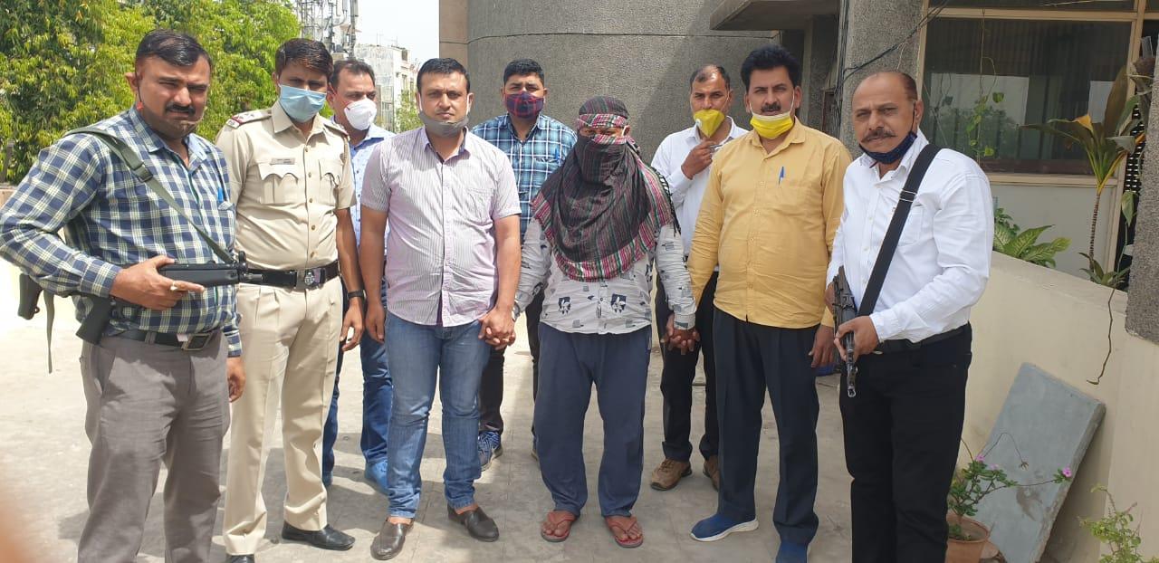 वारदात को अंजाम देने वाले मुख्य आरोपी को रोहतक से दबोचा, 5 बदमाश पहले ही हो चुके गिरफ्तार|दिल्ली + एनसीआर,Delhi + NCR - Dainik Bhaskar