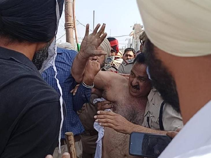 किसानों ने पुलिस घेरे से खींचकर हाथापाई की, कपड़े फाड़े; कृषि कानून के समर्थन में प्रेस कॉन्फ्रेंस करने आए थे अरुण नारंग पंजाब,Punjab - Dainik Bhaskar