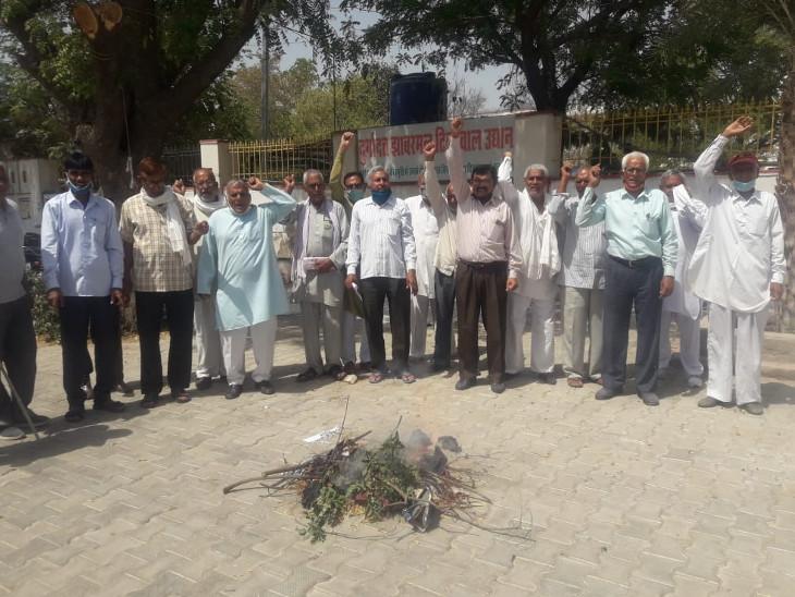 संयुक्त किसान मोर्चे का धरना 109वें दिन भी जारी, नेता बोले किसानों के हौसले बुलंद|झुंझुनूं,Jhunjhunu - Dainik Bhaskar