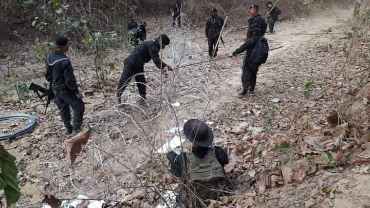 शनिवार को म्यांमार की आर्मी ने 114 लोगों की हत्या कर दी। इसके बाद बड़ी तादाद में प्रदर्शनकारी थाइलैंड में प्रवेश कर गए।