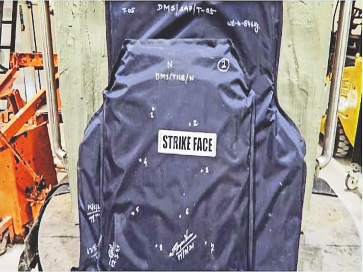DRDO ने जवानों के लिए बनाए हल्के बुलेटप्रूफ जैकेट, वजन सिर्फ 9 किलोग्राम; चंडीगढ़ में हुई टेस्टिंग चंडीगढ़,Chandigarh - Dainik Bhaskar