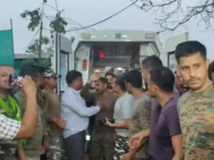 CRPF जवान की वापसी:बीजापुर हमले के 5 दिन बाद नक्सलियों ने कोबरा कमांडो राकेश्वर सिंह को रिहा किया, मां बोलीं- बेटे को छोड़ने वालों का धन्यवाद