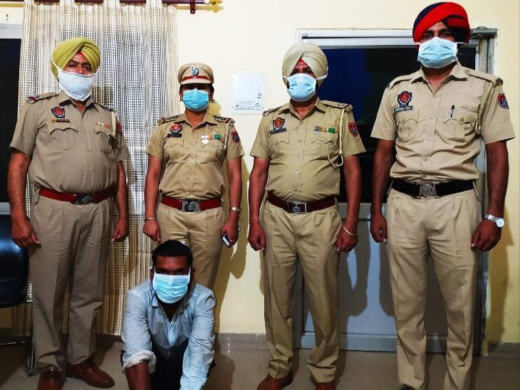 वेल्डर को बाइक से खींचा, फिर सिर पर ईंट मार-मारकर ली जान; पुलिस ने घेराबंदी कर पास के बस अड्डे से धरा आरोपी|पंजाब,Punjab - Dainik Bhaskar