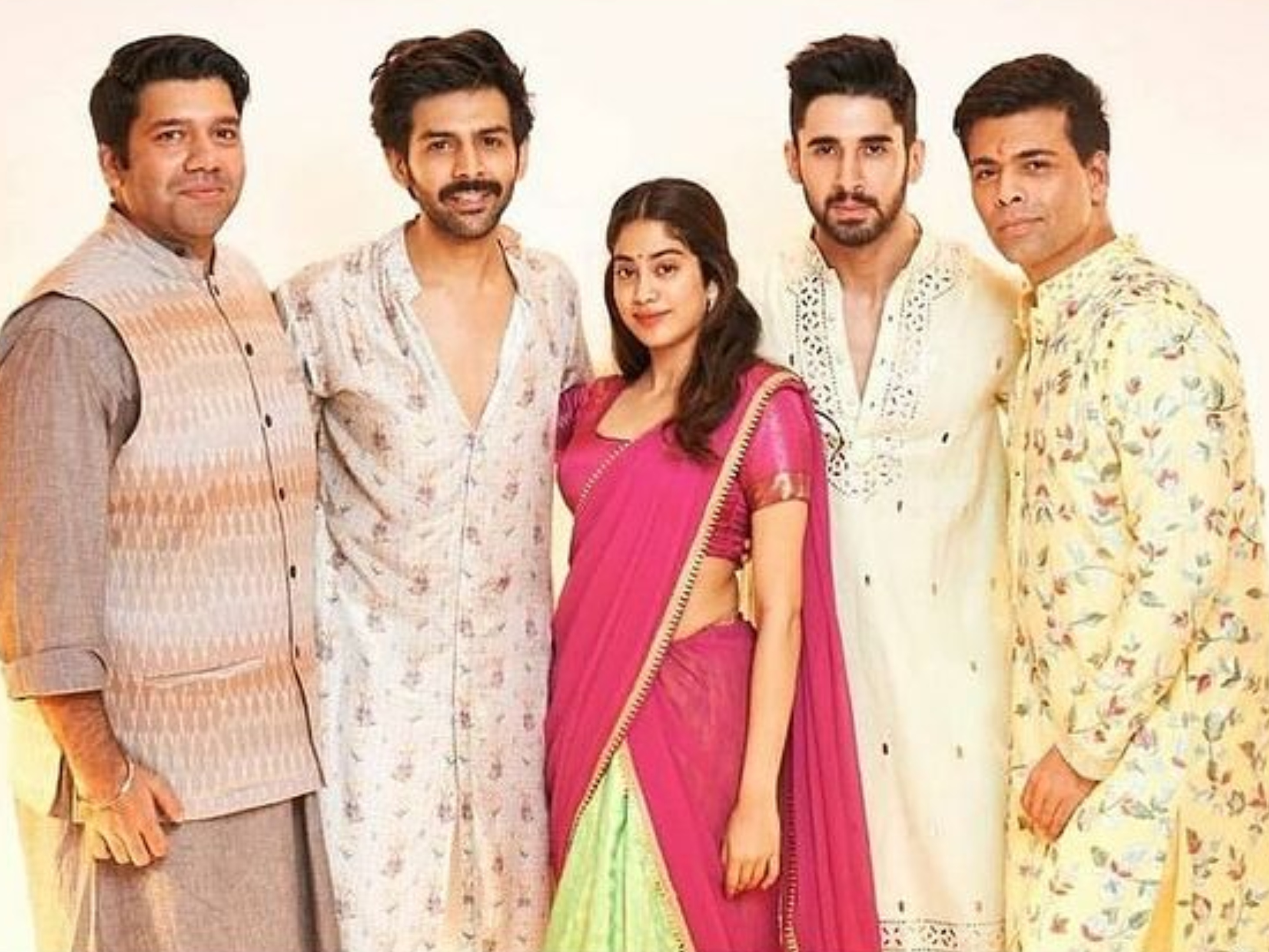 'दोस्ताना 2' की कास्टिंग और कार्तिक आर्यन के फिल्म से हटने पर धर्मा प्रोडक्शन का बयान- हम गरिमामय मौन रखेंगे बॉलीवुड,Bollywood - Dainik Bhaskar
