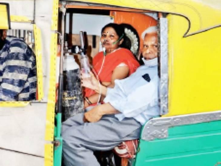 इंदौर में बुजुर्ग दंपती ऑटो में सिलेंडर टांगे 9 घंटे तक 7 अस्पतालों में भटकते रहे।