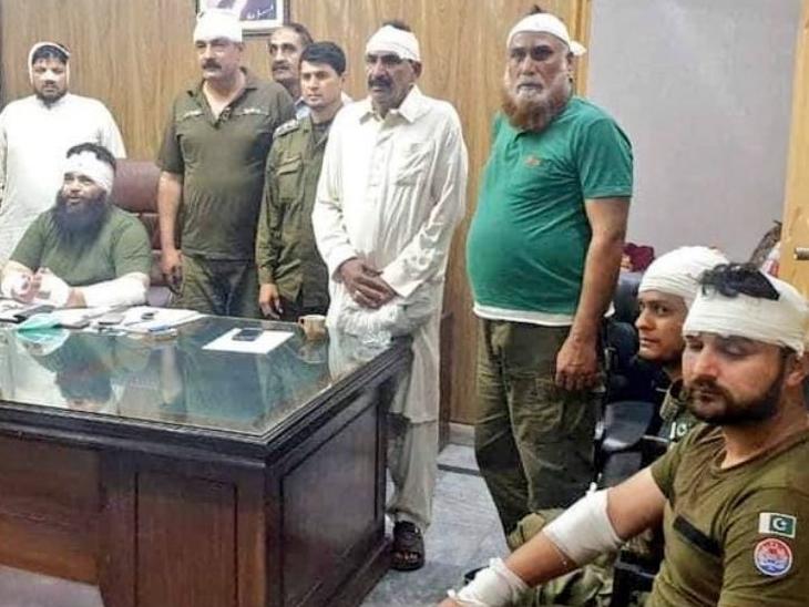 पाकिस्तान में सिविल वॉर के हालात:हिंसक प्रदर्शन कर रही TLP में फौजियों के शामिल होने का दावा, इमरान बोले- इस्लाम का सियासी फायदा उठा रहा संगठन