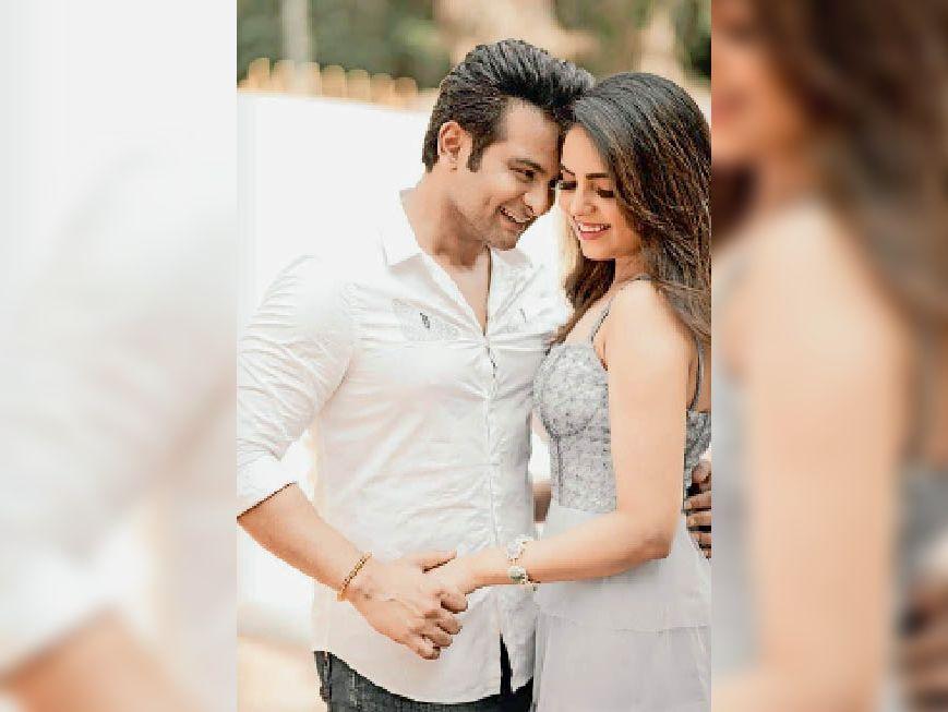 कोरोना के चलते कई बार तारीख बदली, अब जालंधर की सुगंधा मिश्रा डाॅ. संकेत भोंसले से 26 काे रचाएंगी शादी, चुनिंदा मेहमान आएंगे|जालंधर,Jalandhar - Dainik Bhaskar