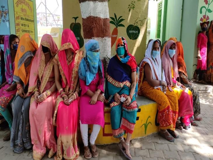वाराणसी में 8 ब्लॉक में 693 ग्राम प्रधान, 40 जिला पंचायत सदस्य, 986 बीडीसी पदों के लिए 65 % वोटिंग; हल्की फुल्की नोक झोंक के बीच संपन्न हुआ मतदान वाराणसी,Varanasi - Dainik Bhaskar