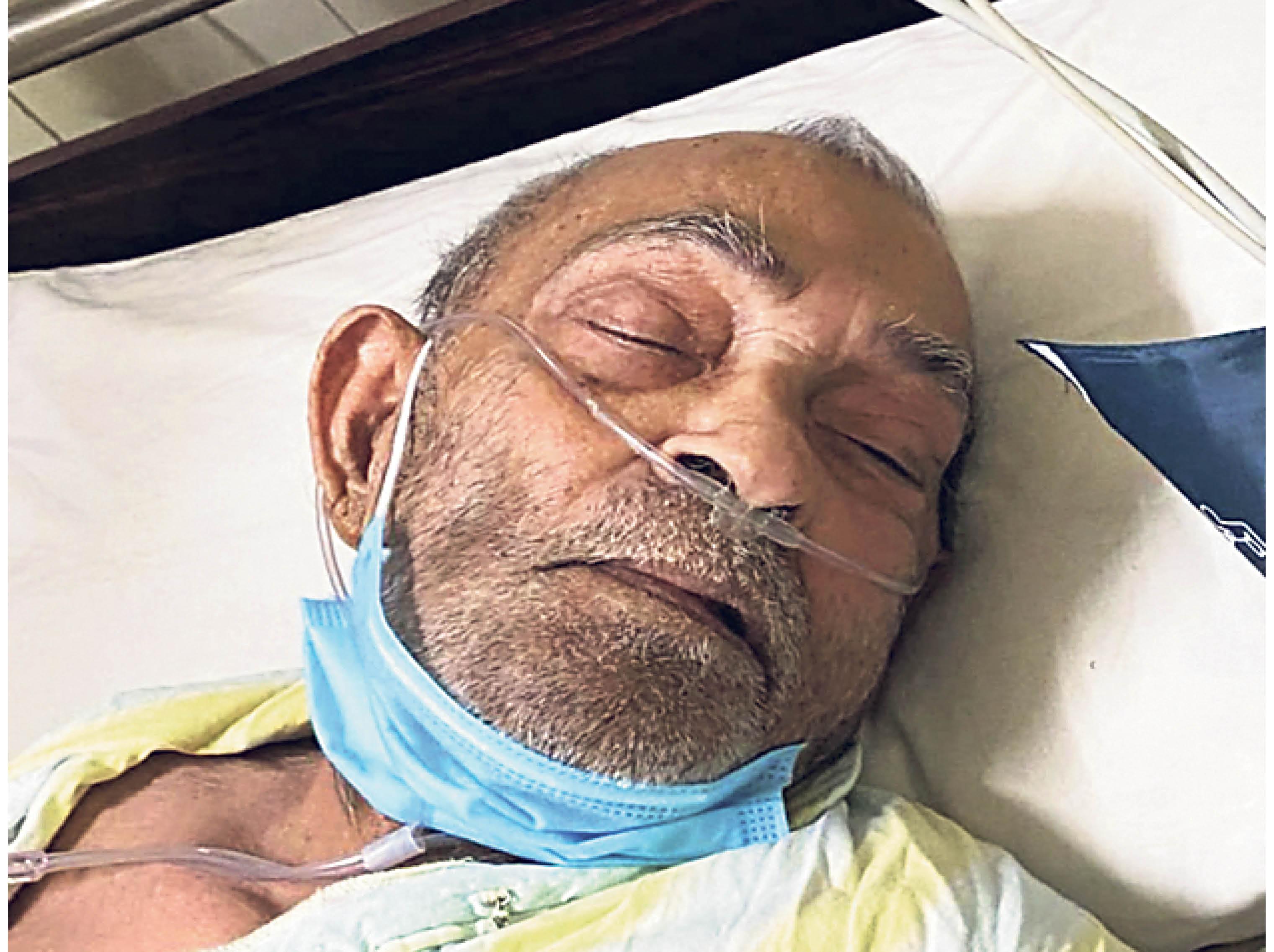 ये डॉ. कुलश्रेष्ठ हैं; रेमडेसिविर के लिए 2 दिन से अस्पताल में हैं - Dainik Bhaskar