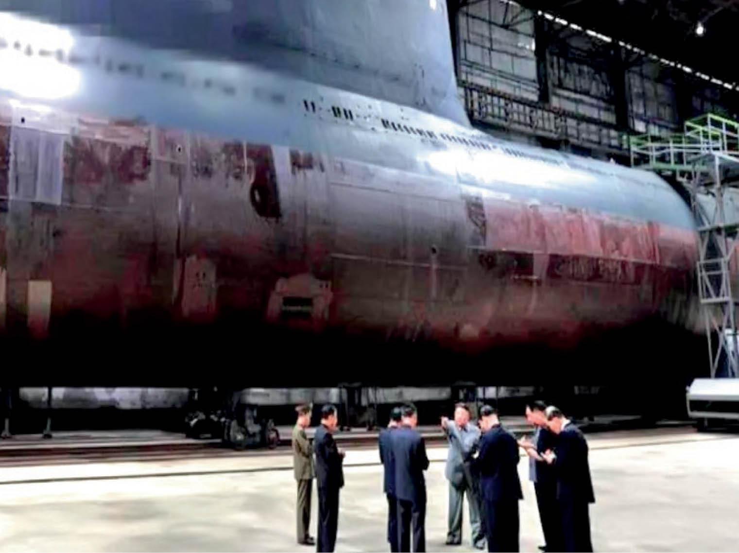 उत्तर कोरिया की सबमरीन तैयार, इसकी परमाणु संपन्न मिसाइल से अमेरिका तक मची खलबली|विदेश,International - Dainik Bhaskar