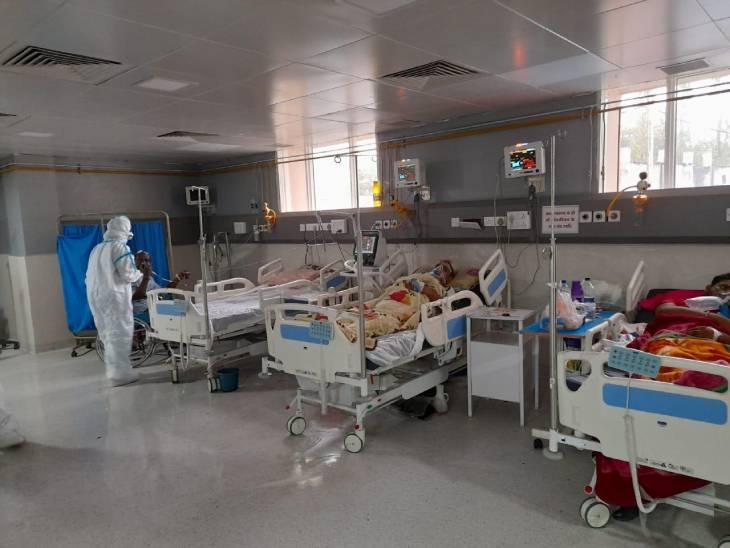 जिला अस्पताल में कथित भाजपा नेता ने भाजपा जिला अध्यक्ष बंटी साहू पर लगाए अनर्गल आरोप|छिंदवाड़ा,Chhindwara - Dainik Bhaskar