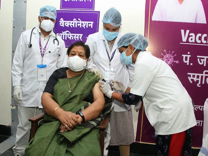 हर दिन एक नया दुखद रिकॉर्ड,अब सिर्फ एक दिन में 219 लोगों की मौत,17 हजार नए मरीज मिले,14 हजार लोग ठीक हुए,गांवों में बिना टेस्ट के भी दवा देने के निर्देश|रायपुर,Raipur - Dainik Bhaskar