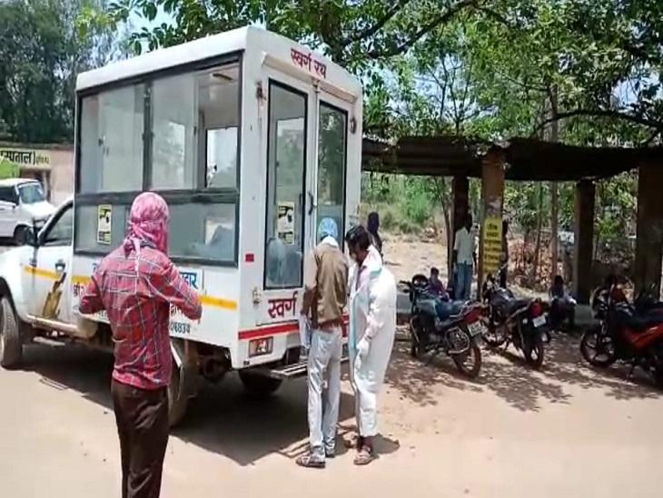 दुर्ग मरच्यूरी से एक साथ 3 से 4 शवों को भेजा रहा है। जिला प्रशासन ने व्यवस्था की है।