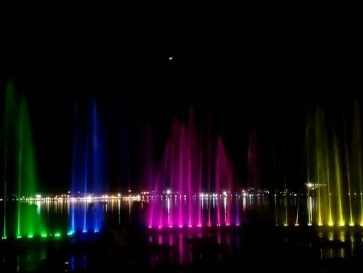 सतरंगी रोशनी से जगमगाई आनासागर झील, दिखी आकर्षक छटा; 5.87 करोड़ लागत से तीन जगहों पर चल रहा काम|अजमेर,Ajmer - Dainik Bhaskar