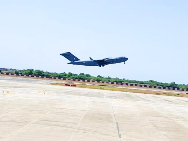 एयरफोर्स ने एयरलिफ्ट कर टैंकर को भेजा जामनगर, ऑक्सीजन भरकर सड़क मार्ग से आएगा वापस|उदयपुर,Udaipur - Dainik Bhaskar