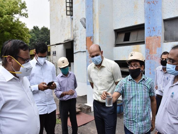 भिलाई टाउनशिप में शुद्ध पेयजल को लेकर कलेक्टर ने दिए सख्त निर्देश, कहा- एक हफ्ते में सुधारें व्यवस्था, फिल्टर प्लांट को भी करें अपडेट|भिलाई,Bhilai - Dainik Bhaskar