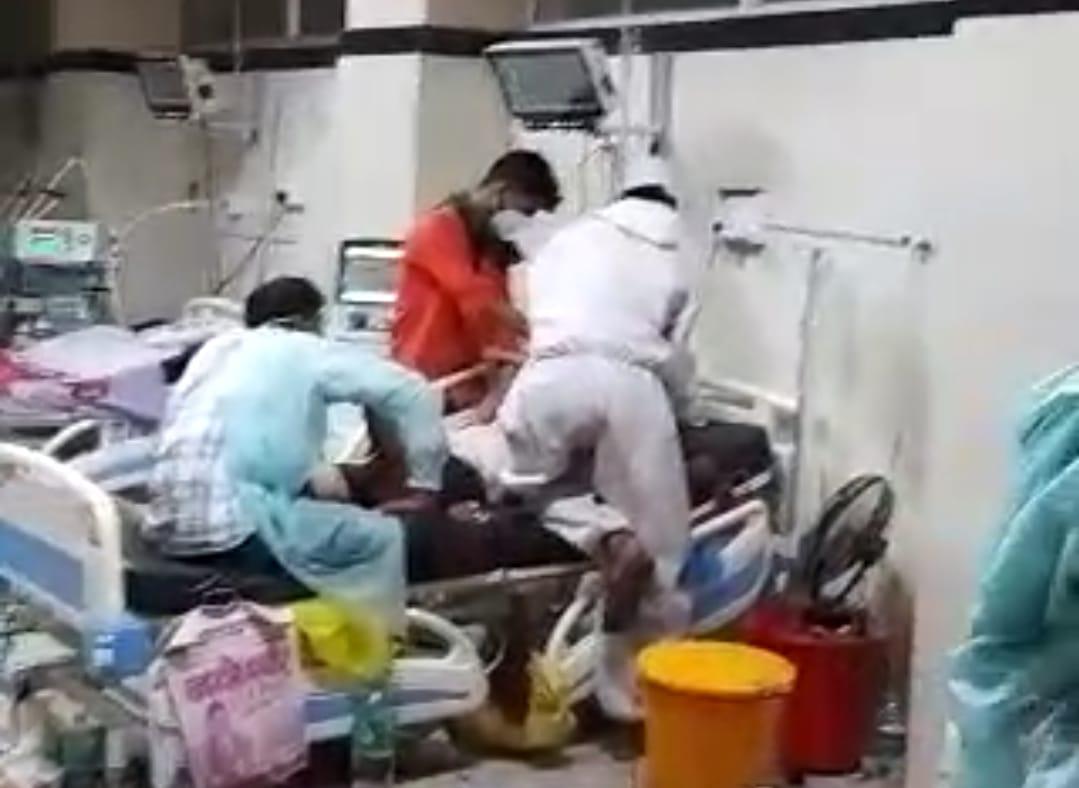 PBM के कोविड अस्पताल में ऑक्सीजन आपूर्ति गड़बड़ाने से रोगियों की जानें गईं, सोशल मीडिया पर वायरल हुए सात वीडियो|बीकानेर,Bikaner - Dainik Bhaskar