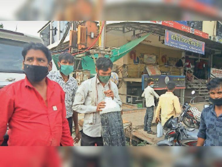 निजी अस्पताल में ऑक्सीजन खत्म, इंदौर से 3 जंबो सिलेंडर रिफिल कराकर लाया मरीज का भाई|खंडवा,Khandwa - Dainik Bhaskar