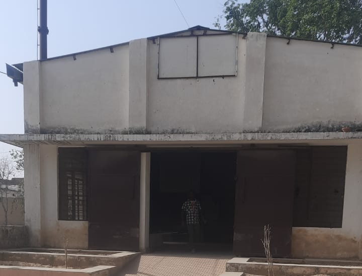 शहर के तीजकी श्मशान में पहले रोजाना औसतन 4 शव आते थे, अब आठ; 50 लाख का इलेक्ट्रिक शवदाह गृह भी खराब पड़ा अलवर,Alwar - Dainik Bhaskar