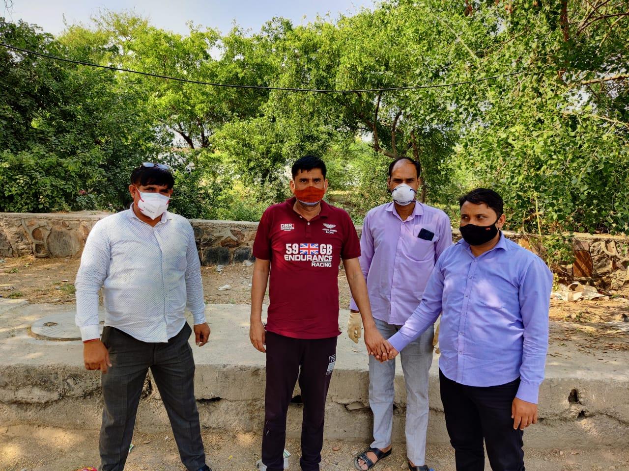 सीआरपीएफ की नौकरी छोड़ बन गया हथियार तस्कर, मर्डर के लिए हथियार मुहैया कराया दिल्ली + एनसीआर,Delhi + NCR - Dainik Bhaskar