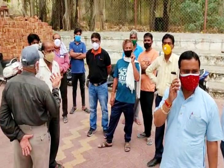 अशोकनगर मोक्षधाम में किए 5 कर्मचारी तैनात, अंतिम संस्कार में मृतकों के परिजनों की करेंगे मदद|उदयपुर,Udaipur - Dainik Bhaskar