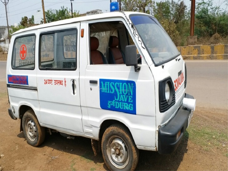 दुर्ग-भिलाई में कोरोना मरीजों के लिए फ्री में एंबुलेंस की सेवा मिशन सेव दुर्ग के माध्यम से की जा रही है।
