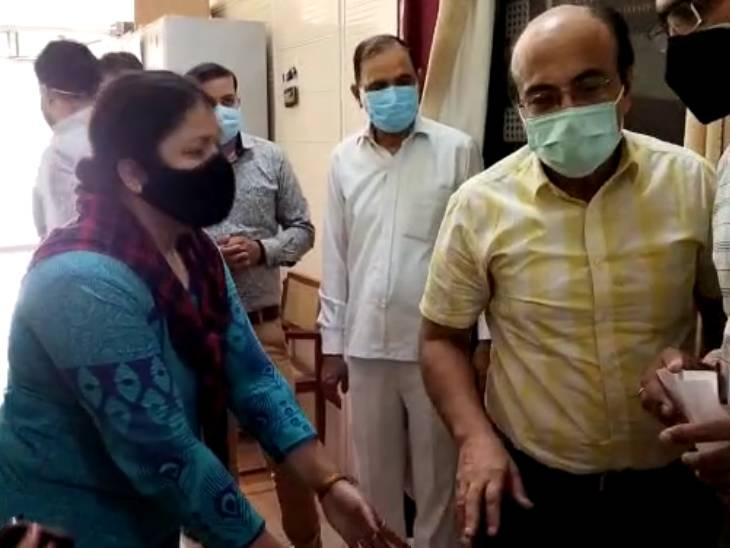रेमडेसिविर इंजेक्शन के लिए CMO के पैरों पर गिरी मां, फिर नहीं बचा सकी इकलौते बेटे की जान, अस्पताल की दहलीज पर हुई बेहोश|मेरठ,Meerut - Dainik Bhaskar