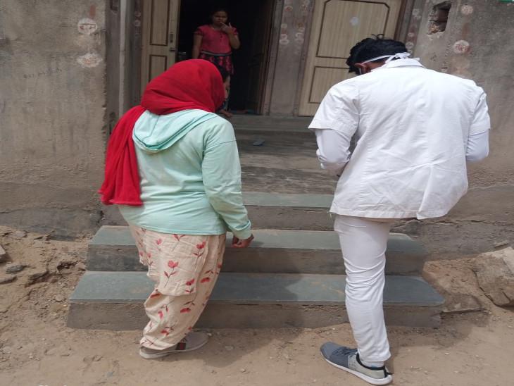घर-घर सर्वे करने वाली टीम लक्षण वालों को देगी मेडिकल किट, जिससे घर में रहकर ही वे अपना इलाज कर सकें, अधिक परेशानी होने पर ही पहुंचे अस्पताल|सीकर,Sikar - Dainik Bhaskar
