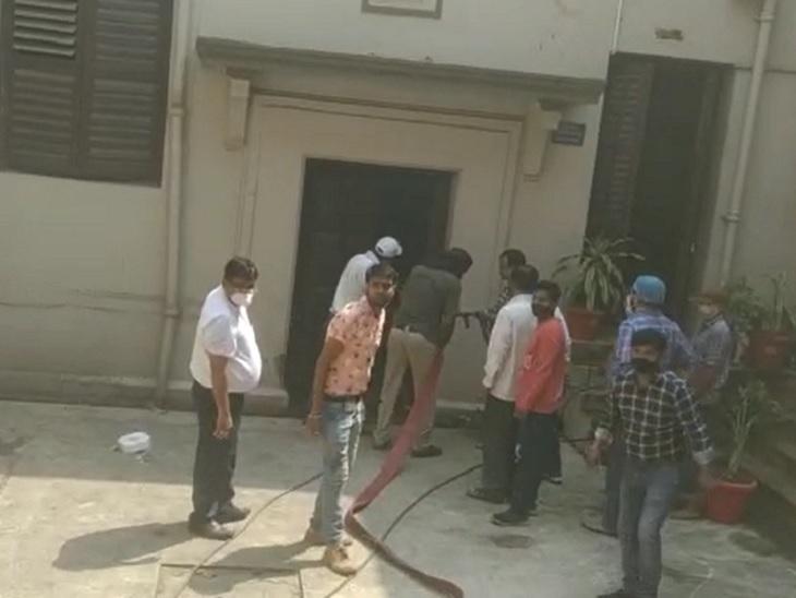 एग्जामिनेशन सेक्शन के महत्वपूर्ण कागजात जले; कैसे कागज थे, अभी पता नहीं, अधिकारी कह बोले- रद्दी थी बिहार,Bihar - Dainik Bhaskar