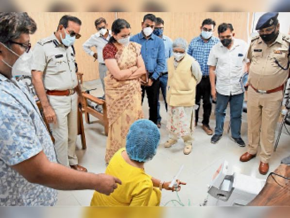 डीसी और डीआईजी ने फील्ड में प्रबंधों की समीक्षा की - Dainik Bhaskar