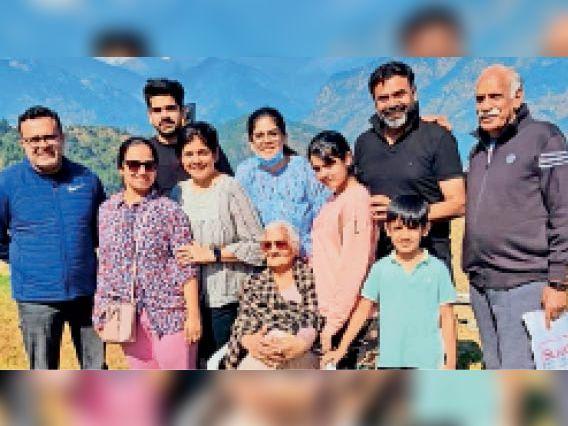 कैंसर पीड़ित 68 साल की मां खुद खाना बनातीं, एक-दूसरे का ख्याल रखते हुए सबने 15 दिन में कोरोना को हराया पानीपत,Panipat - Dainik Bhaskar