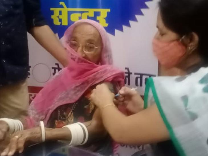 एक मार्च से 27 अप्रैल तक वैक्सीन की पहली व दूसरी डोज लगवाने में जैतारण के लोग सबसे अव्वल रहे है। - Dainik Bhaskar