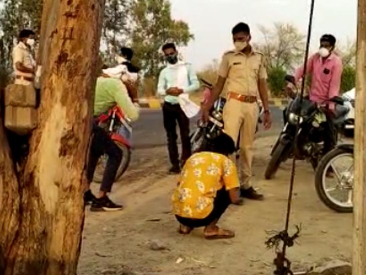 युवकों ने कहा- अस्पताल जाना है, बहन भर्ती है; पुलिस ने रिश्वतेदार को फोन लगाकर पूछा तो खुली पोल|चित्तौड़गढ़,Chittorgarh - Dainik Bhaskar