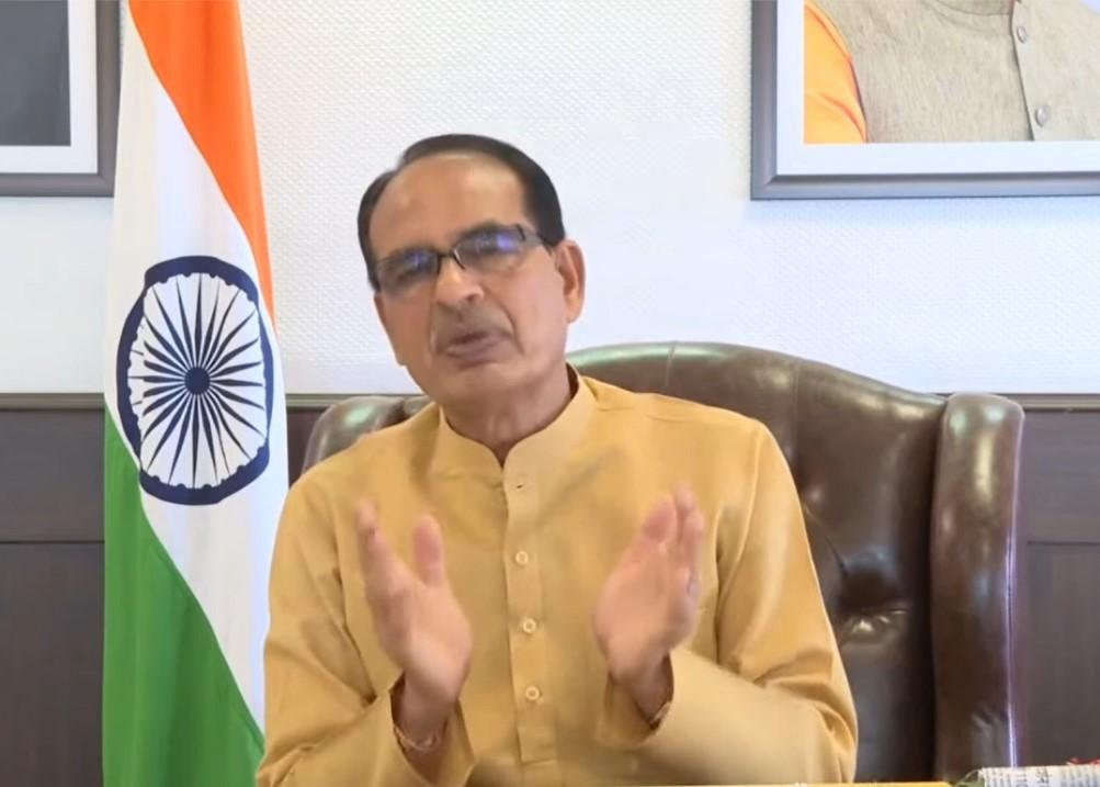 मुख्यमंत्री शिवराज सिंह चौहान ने स्वास्थ्य कर्मियों के परिवारों को सरकार की ओर से 50 लाख रुपये की सम्मान निधि दी जाएगी। - Dainik Bhaskar