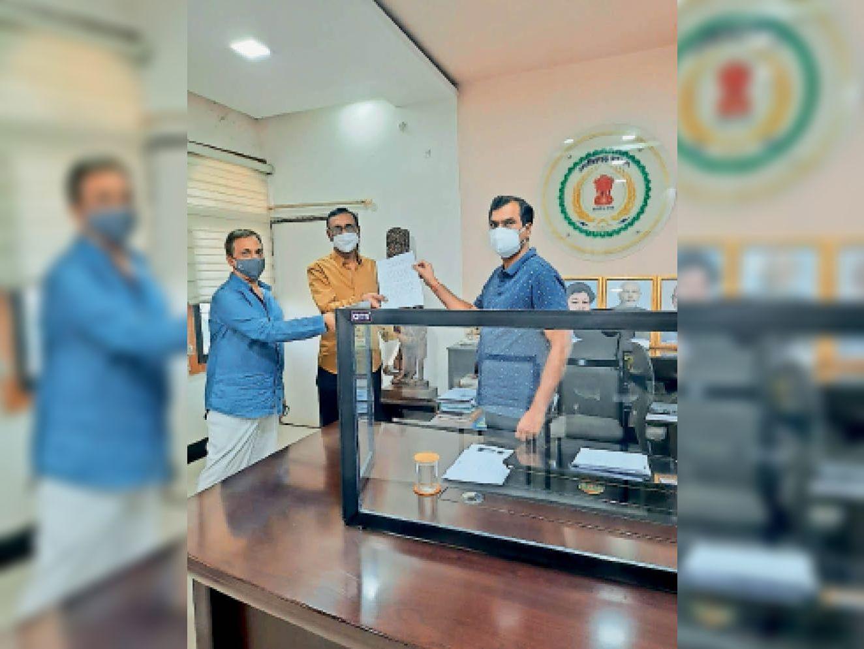 कवर्धा. मरीजों के लिए कलेक्टर को सौंपा स्कूल भवन। - Dainik Bhaskar