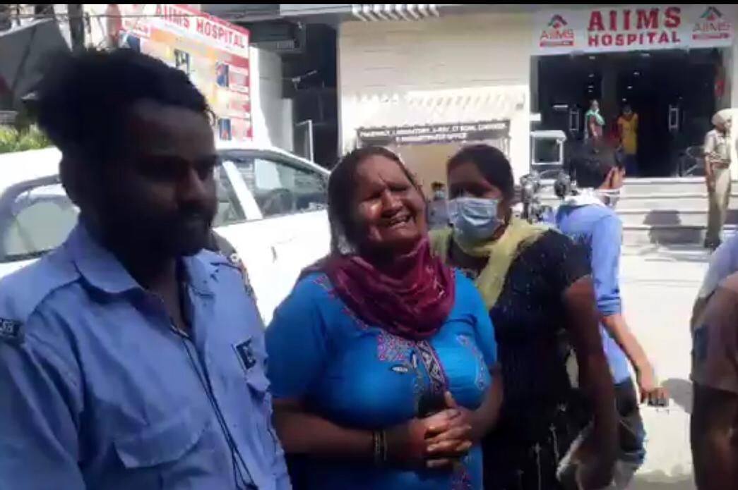 सड़क हादसे में जख्मी सिक्योरिटी गार्ड को अस्पताल ले आया कार सवार, परिजन बोले- इलाज न होने से मरा|जालंधर,Jalandhar - Dainik Bhaskar