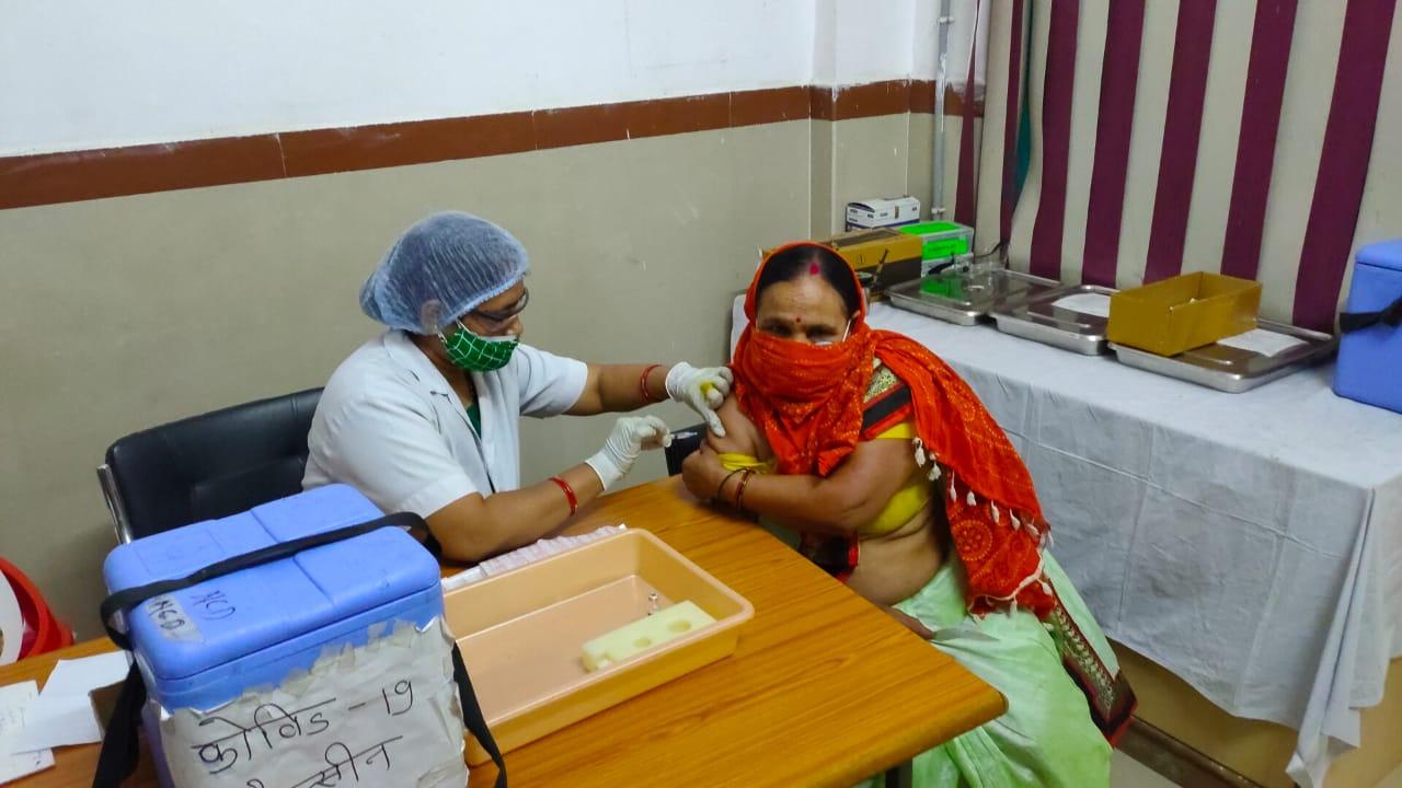 वैक्सीनेशन का फाइल फोटो।