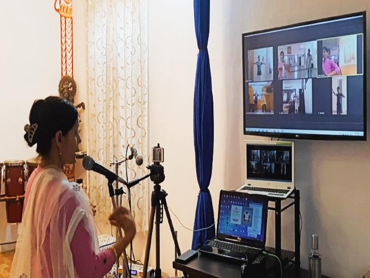 देशभर के 5 राज्यों के 100 प्रतिभागियों ने ऑनलाइन किया डांस, उदयपुर की कत्थक गुरु डॉक्टर सरोज ने किया निर्देशन|उदयपुर,Udaipur - Dainik Bhaskar