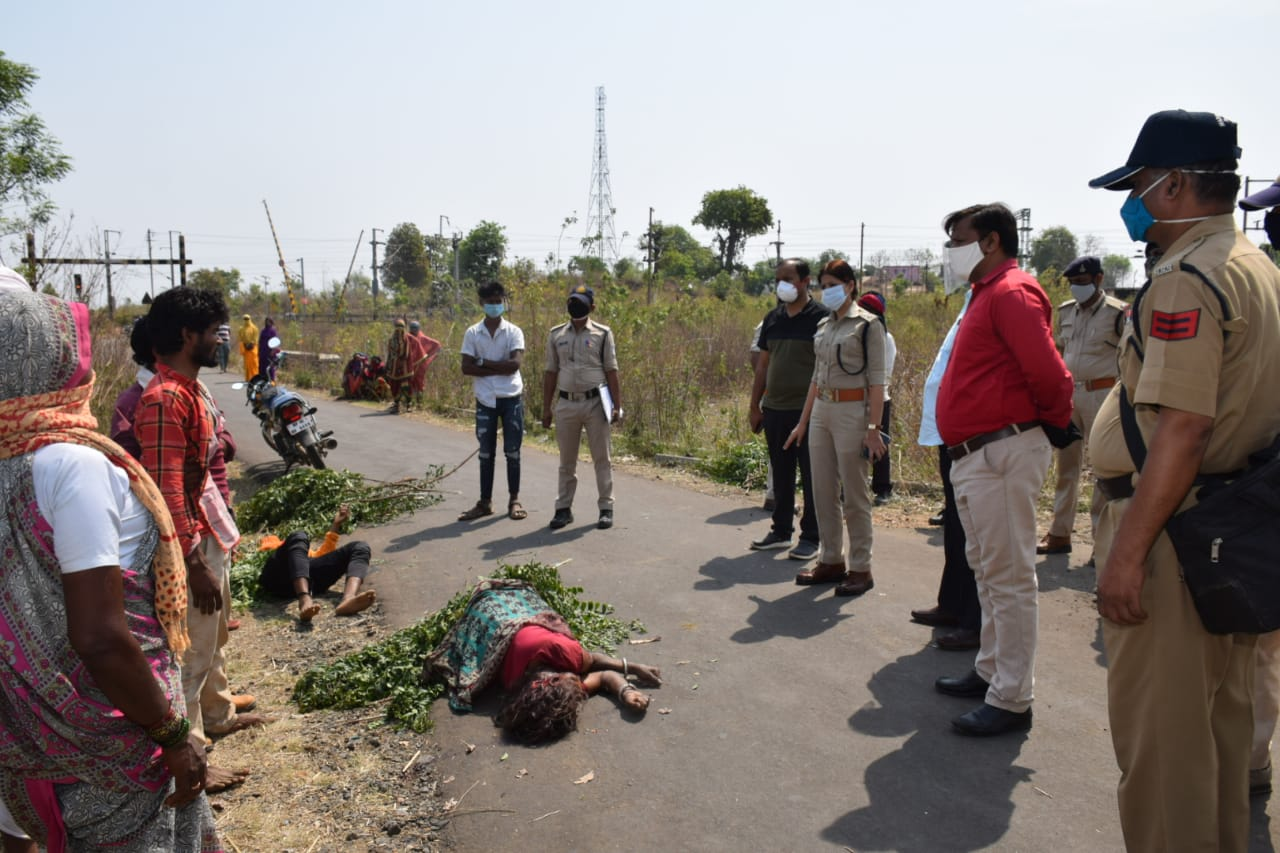 बैतूल में रात में बाइक से जा रहे थे मां और बेटे, रॉड से किया हमला, सुबह सड़क पर मिले दोनों के शव|बैतूल,Betul - Dainik Bhaskar