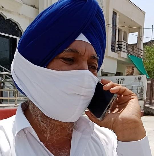कहा मेरे दोस्त के परिचित को सिलेण्डर की जरूरत है, गुरुद्वारा कमेटी प्रमुख बोले खाली सिलेण्डर लेकर आना पड़ेगा, तभी देंगे|अलवर,Alwar - Dainik Bhaskar