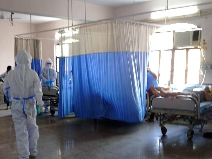 ऑक्सीजन का कंट्रोल मीटर खराब हुआ, परिजन 4 घंटे चिल्लाते रहे, उनकी नहीं सुनी; बाद में आईसीयू के मरीजों को दूसरी जगह शिफ्ट किया|अलवर,Alwar - Dainik Bhaskar